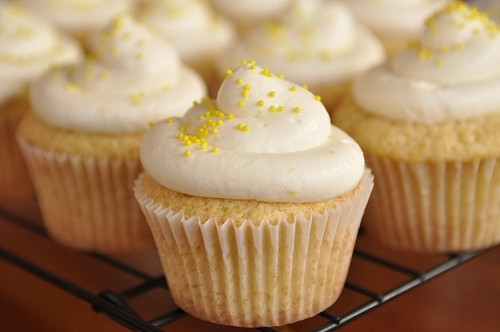 Lemon Cream Cheese Frosting « BAKING PROJECT