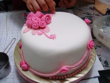 Cake With Fondant Photos : Fondant rose cake   BAKING PROJECT