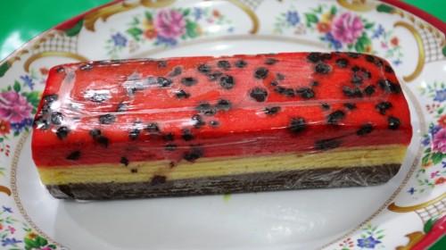 kek lapis tiga Rasa