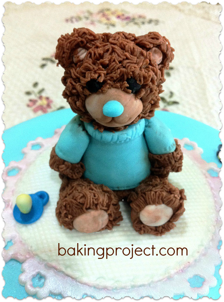 Making a teddy bear cake topper